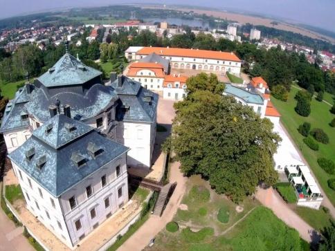 Zámek Karlova Koruna v Chlumci nad Cidlinou