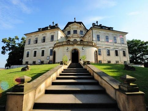 Začněte společnou cestu životem svatbou na zámku Karlova Koruna