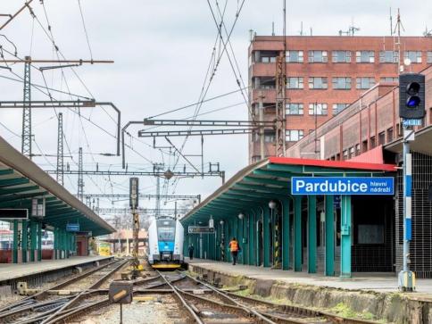 Na opravy nádražních budov půjde letos více než miliarda korun, foto: SŽDC
