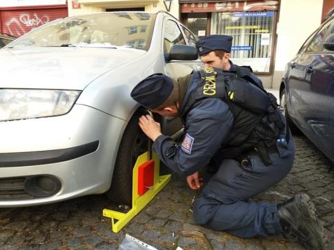 Pražští celníci provádějí mobiliární exekuce u právnických osob, foto: Celní úřad pro hlavní město Prahu