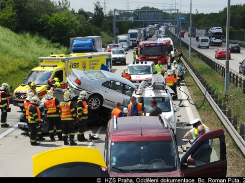 Hasiči zasahovali u nehody na Pražském okruhu, foto Roman Půta, HZS