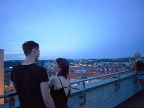 Letní kino na střeše Veletržního paláce. Foto: Helena Fikarová