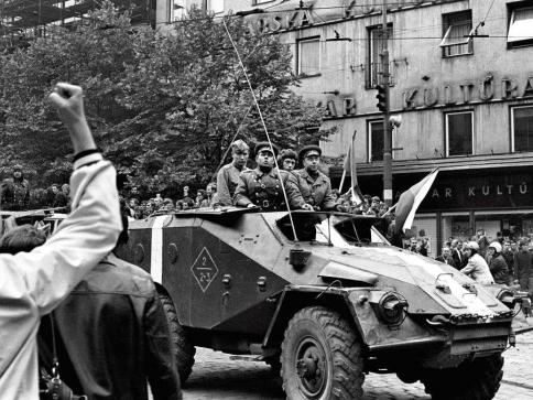Sovětská invaze - srpen 1968, foto: Josef Hník