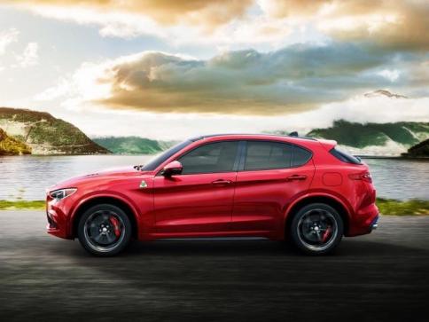 "Alfa Romeo Stelvio Quadrifoglio získala v anketě magazínu Auto Zeitung titul ""SUV roku 2018"", foto: Fiat Chrysler Automobiles N.V."