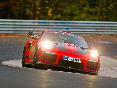 Rekord silničního sportovního vozu, foto: Porsche Inter Auto CZ spol. s r.o.