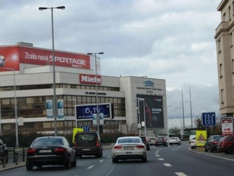 Z ulic začínají mizet neoprávněná reklamní zařízení, foto: Praha Press