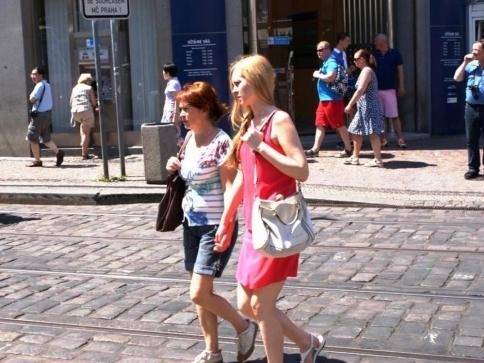Ženy spoří více než muži, ilustrační foto: Praha Press