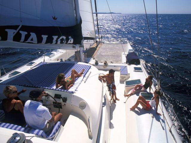 DREAM YACHT CHARTER, Yachting4U
