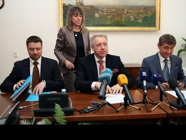 Ministři vnitra a financí podepsali dohodu o spolupráci při boji proti daňovým únikům, foto Ministerstvo vnitra