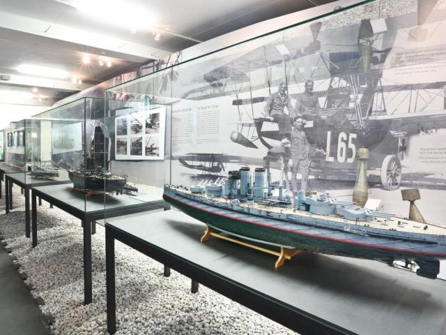 """Nová výstava v Národním technickém muzeu s názvem """"Naše moře…"""" je věnována historii rakouského válečného námořnictva od roku 1850 až do zániku podunajské monarchie, foto Národní technické muzeum Praha"""