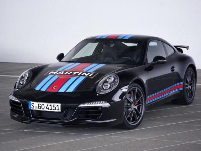 911 v tradičních závodních barvách pro návrat Porsche do Le Mans, foto Porsche Inter Auto CZ