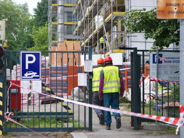 Nejvyšší nárůst zahájených zakázek zaznamenalo ministerstvo u stavebních prací, foto Praha Press