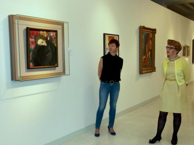 Výstava - obraz Gustava Klimta Dáma s rukávníkem, foto © Národní galerie v Praze