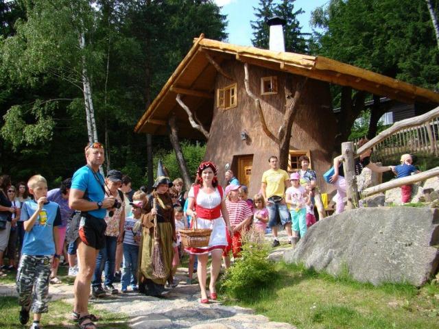 Last minute rodinný pobyt v Pohádkové vesničce, foto hotel Podlesí