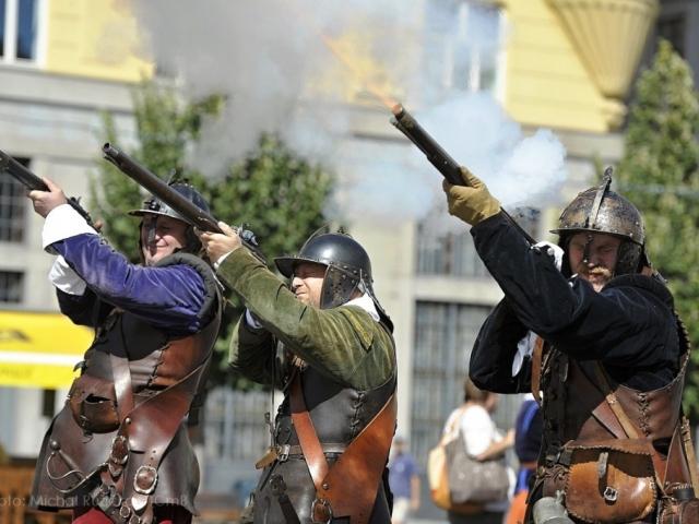 Tradiční oslavy Dne Brna započnou v pátek 15. srpna, ukázka obrany Brna před Švédy na úpatí Špilbeku, foto Michal Růžička, TICmB