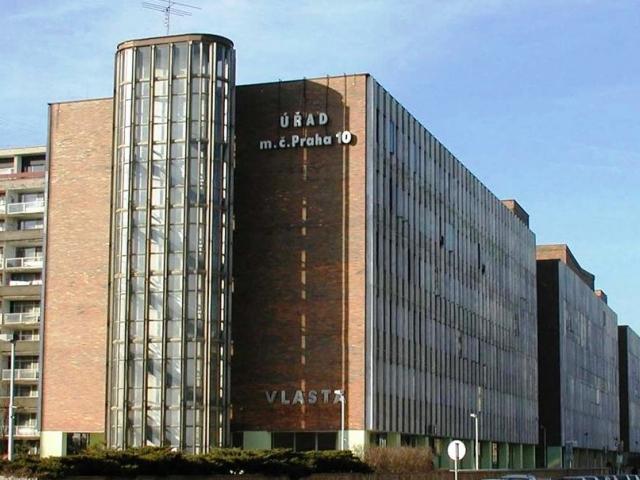 Budova Úřadu MČ Praha 10, foto Úřad MČ Praha 10