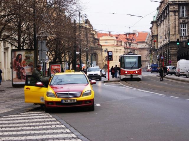 Praha dokončila výběr nových správců stanovišť taxi s více než 12 milionovým ziskem, foto Praha Press