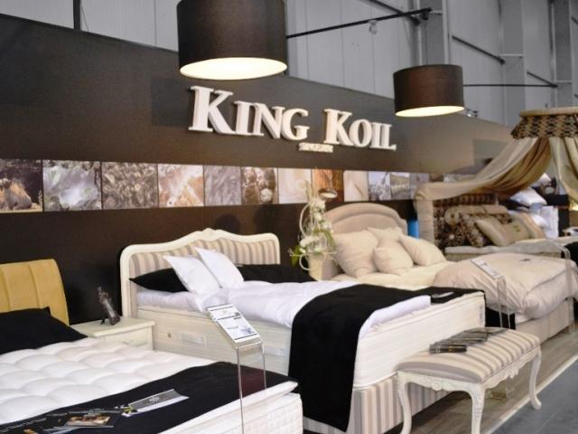 Luxusní ložnice americké značky King Koil®: Živá prohlídka těch nejluxusnějších postelí nemusí být jen prostřednictvím internetu, zavítejte na stánek Hala 2 - B 6, KING KOIL - Royal Comfort, s.r.o.