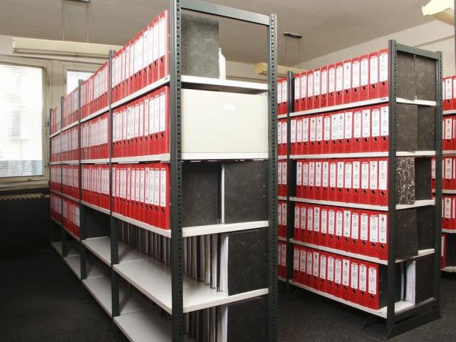 Společnost DIRP se dlouhodobě zaměřuje na dodávky a montáže regálových systémů, kovového nábytku a kancelářského nábytku. Nabízí profesionální regály a regálové systémy do archivů, knihoven, skladů, dílen a spisoven, foto DIRP, s.r.o.