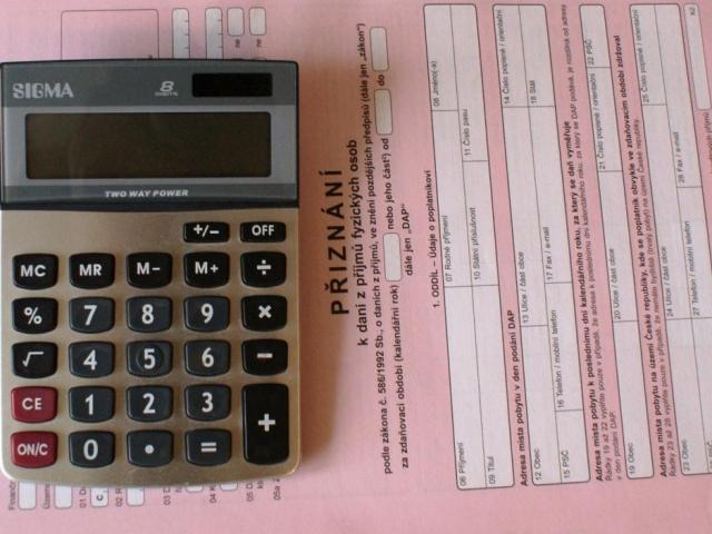 Základní sleva na dani za rok 2013 u starobních důchodců, foto Praha Press