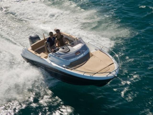 Pro společnost Fasyachting bude letošní ročník veletrhu Boat expo premiérou. Cap Camarat 6.5 WA S2, foto f.a.s yachting, s.r.o.