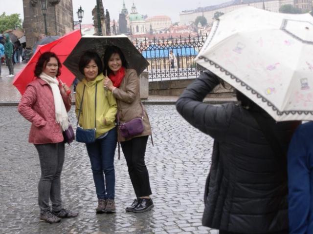 Příjezdy zahraničních turistů míří k novému rekordu, foto Praha Press