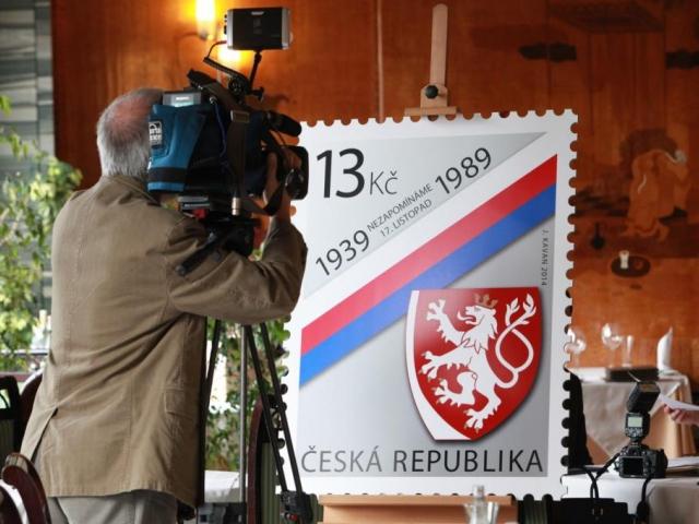 Významné listopadové události našich dějin připomíná nová známka, foto ČP