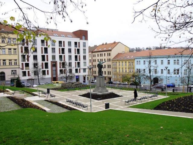 V centrální části Žižkova se po revitalizaci otevřelo veřejnosti Havlíčkovo náměstí, foto ÚMČ Praha 3