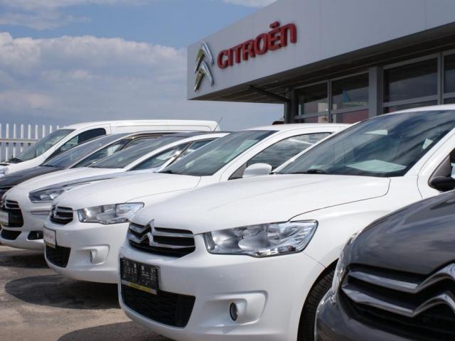 Čeští řidiči se při koupi auta rozhodují hlavně podle ceny, foto Praha Press