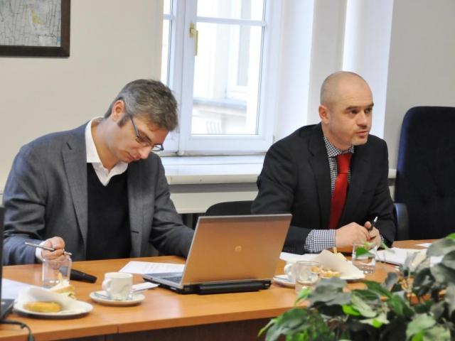 Radim Kocourek (provozní ředitel JIC a ředitel JIC Jiří Hudeček, foto JMK