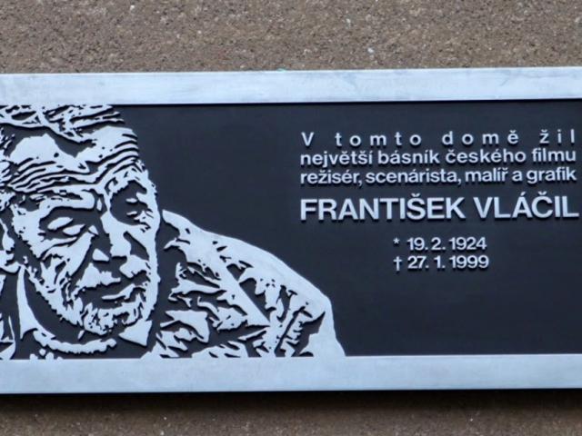 Režisér František Vláčil má v Praze 6 svou první pamětní desku v ČR, foto Nostalghia.cz