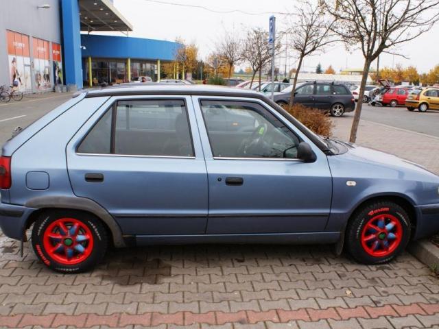 Stočené tachometry, odcizená vozidla jsou stále v nabídce inzerovaných vozidel, foto Praha Press