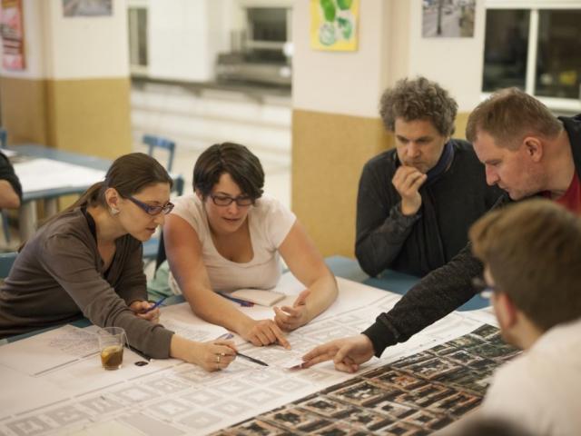 Místní obyvatelé pomáhají připravit rekonstrukci Vinohradské ulice. Foto IPR Praha