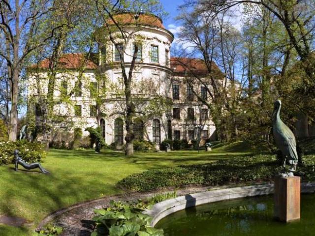 Do Šternberské zahrady se vstupuje po průchodu Šternberským palácem a jeho nádvořím, a v letošním roce je veřejnosti zpřístupněna od 3. dubna. Foto Národní galerie v Praze