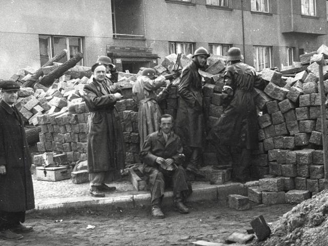 Navštivte výstavu: Stavte barikády! Foto Muzeum hlavního města Prahy