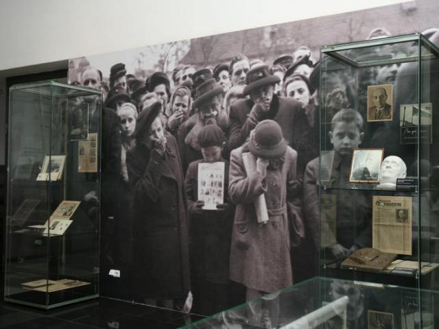 Pohled do výstavy Slavné pohřby, foto Národní muzeum
