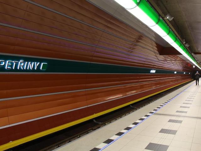 Od pondělí pojede na Petřiny každé metro. Foto ROPID