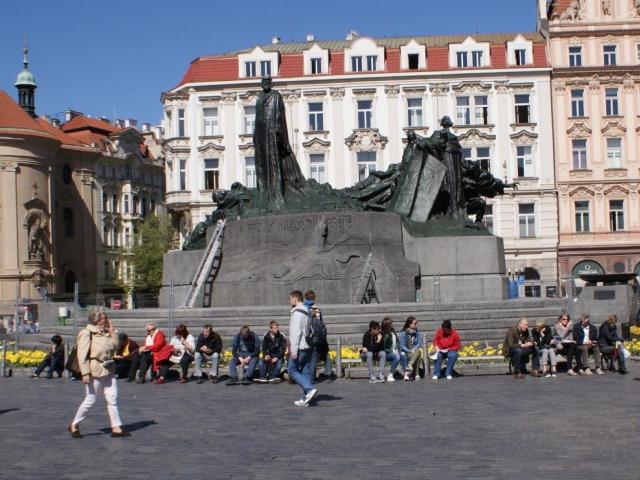 Je dokončeno restaurování pomníku mistra Jana Husa na Staroměstském náměstí, foto Praha Press