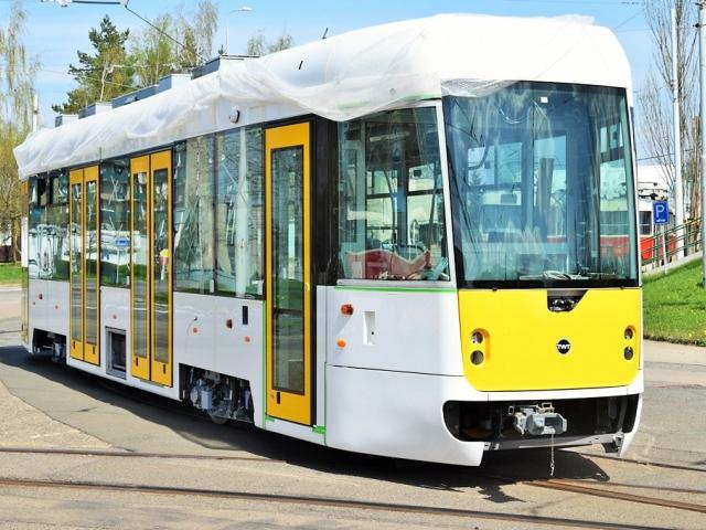 Dopravní podnik hl. m. Prahy představil novou nízkopodlažní tramvaj EVO1. Foto DPP