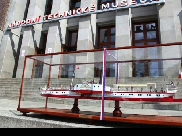 Výstava Umění paroplavby po řece Vltavě 1865-2015 poskytuje ojedinělý pohled do historie. Foto Pražská paroplavební společnost a.s.