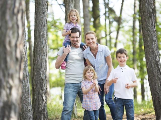 Rodinná dovolená v krásné přírodě Hostýnských vrchů, s ubytováním ve Wellness Hotelu Rusava včetně polopenze.