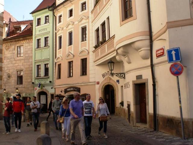 Pro historické centrum Prahy radní schválili pravidla pro rekonstrukci chodníků a ulic. Foto Praha Press