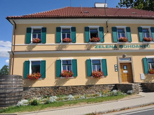 Ekofarma Zelená Bohdaneč, nevšední zážitky kousek od Prahy