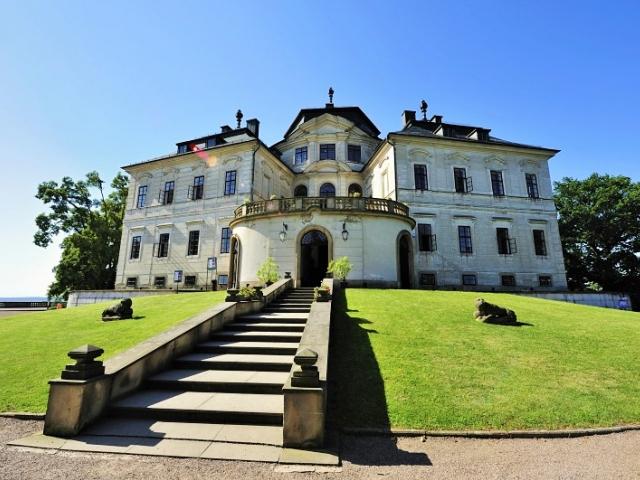 Prožijte neobyčejný den na zámku Karlova Koruna v Chlumci nad Cidlinou