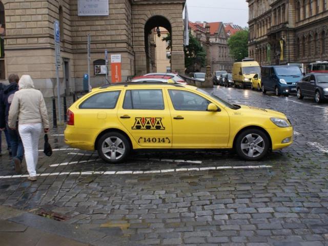 Praha jedná o maximální ceně taxislužby, foto Praha Press
