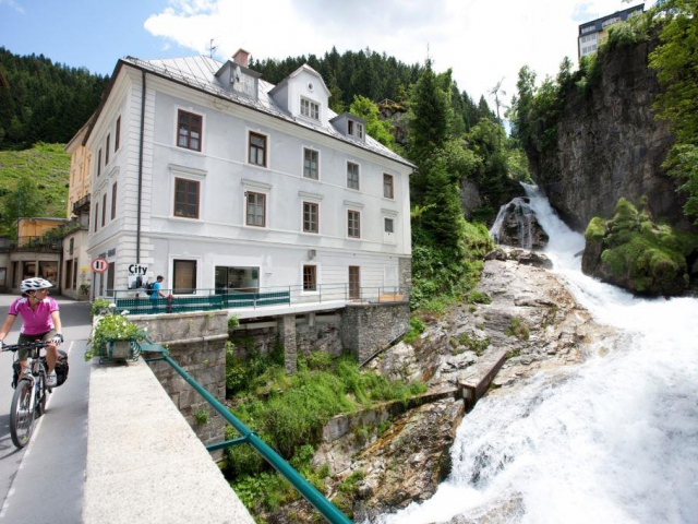 Vodopád v centru města Bad Gastein © Salzburgerland / Daniel Simon