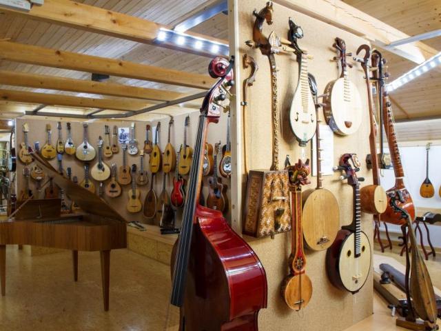 Zavítejte do Ostružné v Jeseníkách, čeká na vás 600 hudebních nástrojů z celého světa