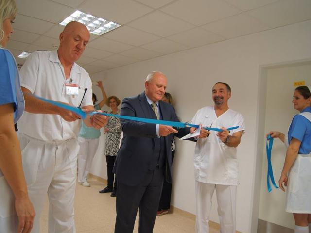 Homolka slavnostně otevřela nově vybudovanou neurologickou jipku, foto Nemocnice Na Homolce