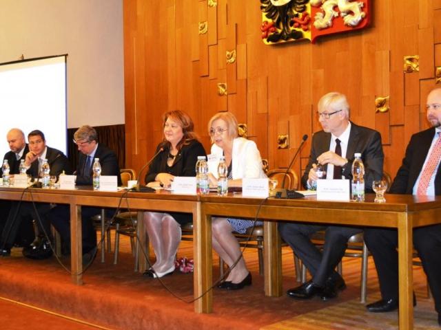 Zástupci podnikatelů i odborné veřejnosti diskutovali nad problematikou insolvenčních řízení, foto Hospodářská komora ČR