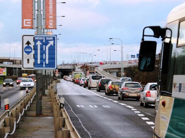 Nový jízdní pruh pro autobusy přibude na Strakonické, foto ROPID